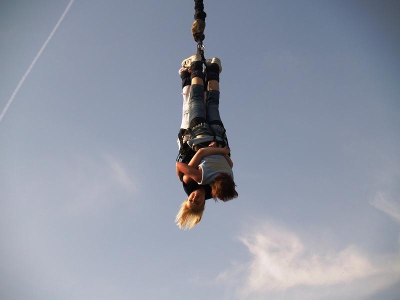Bungee jumping až 110 metrů z jeřábu