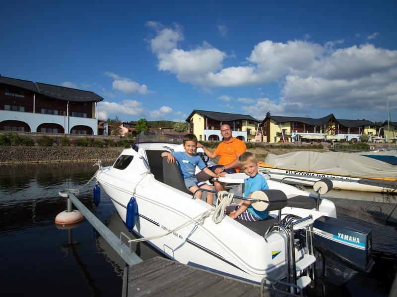 Jízda na motorovém člunu