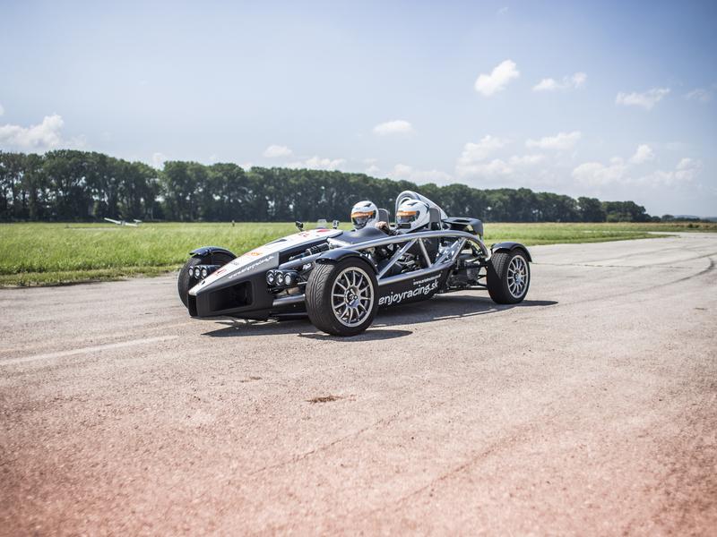 Atom Ariel vs. Formule Renault 2.0. Vysočina