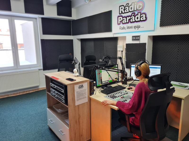Moderátorom v rádiu na skúšku